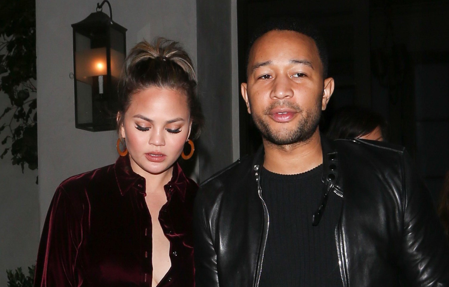 teigen mature singles Chrissy teigen has shared an adorable video of her bathing with daughter luna  mature gay deaths inoticesie deaths  'i don't fear being single.