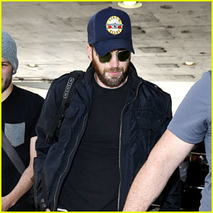 Future Broadway Star Chris Evans Catches a Flight Out of Town