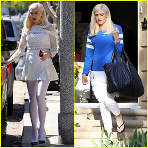 Gwen Stefani & Blake Shelton Spend Easter Sunday Egg Hunting With Her Kids