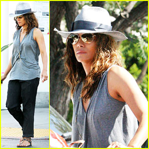 Halle Berry Kicks Off Easter Weekend With Good Friday Tribute