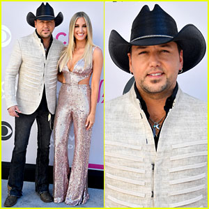 Jason Aldean is Joined by Pregnant Wife Brittany at CMA Awards 2018 ... 334f5fc6545