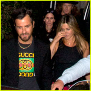 Jennifer Aniston & Justin Theroux Meet Up With Courteney Cox at Pal's Birthday Party