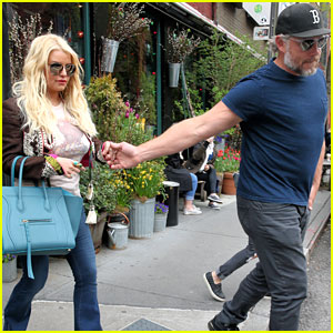 how did jessica simpson and tony romo meet