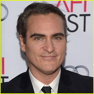 Joaquin Phoenix Is a Redhead Now - See the Photos