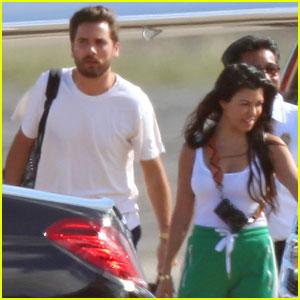 Kourtney Kardashian & Scott Disick Take Their Kids on Family Vacation in Hawaii