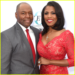 Omarosa Officially Ties the Knot at Trump Hotel