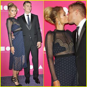 Paris Hilton & Chris Zylka Show Some PDA on the Red Carpet!