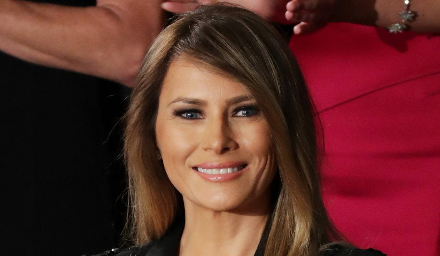 Melania Trump's Official Portrait Released by White House ...