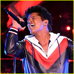 Bruno Mars' Billboard Music Awards 2017 Performance Was Live From Amsterdam!