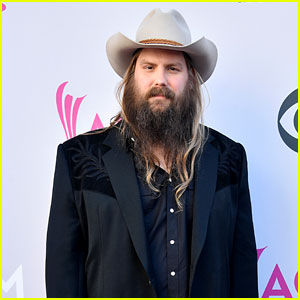 Chris Stapleton Postpones Tour Dates