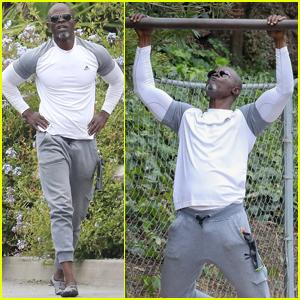 Djimon Hounsou Shows His Muscles During Impressive Workout