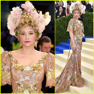 Haley Bennett Rocks Floral Headpiece to Met Gala 2017