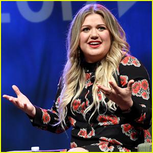 Kelly Clarkson Talks New Album At Music Biz Panel: 'It's Got A Lot Of Sass'