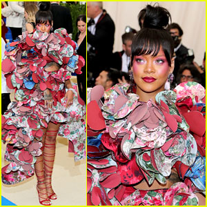 Rihanna's Met Gala 2017 Dress Is a Commes des Garcons Must See!