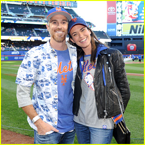 Dave Annable Throws Out First Pitch at NY Mets Game!