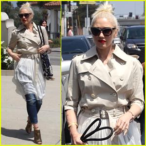 Gwen Stefani Shares Funny Throwback Pic of Blake Shelton!