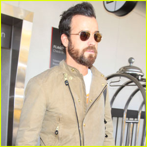 Justin Theroux Touches Down in L.A. Before 'Leftovers' Finale
