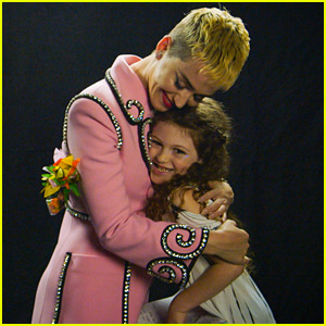 Katy Perry Sings 'Firework' with This 7-Year-Old Girl in Adorable Video - Watch Now!