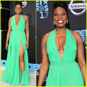 Leslie Jones Is Gorgeous in Green at BET Awards 2017