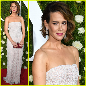 Sarah Paulson Is Pure Elegance for Tony Awards 2017