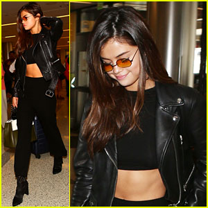 Selena Gomez Shows Off Her Abs While Heading to Her Flight