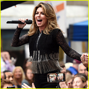 Shania Twain Performs Her Hits During 'Today Show' Concert!