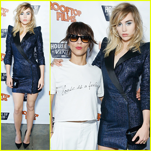 Suki Waterhouse Poses Fiercly At 'The Bad Batch' Brooklyn Screening!