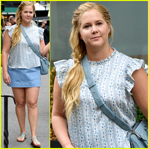 Amy Schumer Is Feeling Pretty in Blue on New Movie Set!