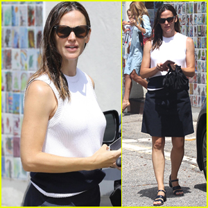 Jennifer Garner Starts Off Her Day with Sunday Church Service