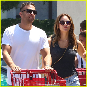 Katharine McPhee & Boyfriend Nick Harborne Stock Up on Groceries in LA