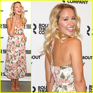 Anna Camp Poses in Pretty Floral Dress for 'Time & the Conways' Photo Call