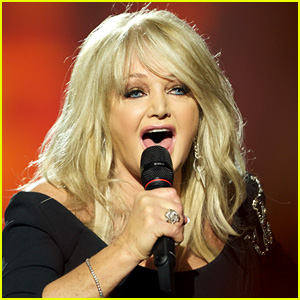 Bonnie Tyler Sings 'Total Eclipse of the Heart' Live During Solar Eclipse 2017 (Video)