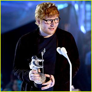 Ed Sheeran Wins Artist of the Year at VMAs 2017 - Watch His Acceptance Speech!