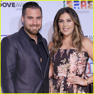 Hillary scott photos news and videos just jared for Is hillary from lady antebellum pregnant
