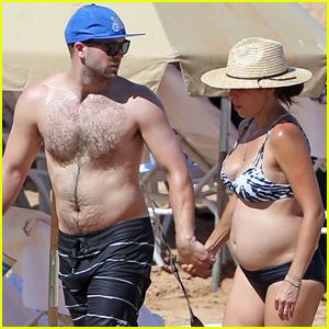 Jamie-Lynn Sigler Shows Off Baby Bump in a Bikini on Hawaii Vacation!