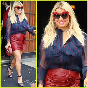 Jessica Simpson Gets Fashionable in New York City!