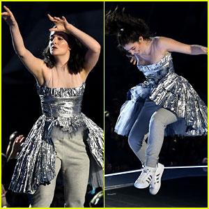 Lorde Dances & Performs Despite Having Flu at MTV VMAs 2017 - Watch Now!