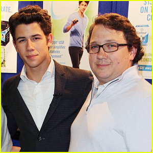 Nick Jonas Says His Dad Is Cancer Free: 'All Is Good'