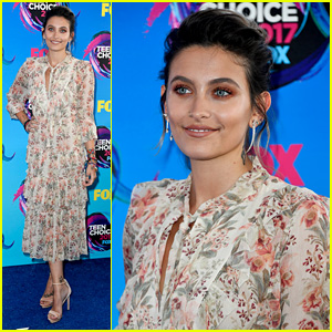 Paris Jackson Attends Teen Choice Awards as Double Nominee!