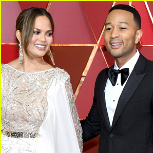 Chrissy Teigen Hilariously Reacts to John Legend's Story of Trying to Break Up with Her