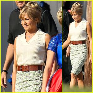 Jennifer Aniston Sports a Skirt on the Set of 'Dumplin'!