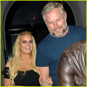 Jessica Simpson Helps Hubby Eric Johnson Celebrate Birthday!