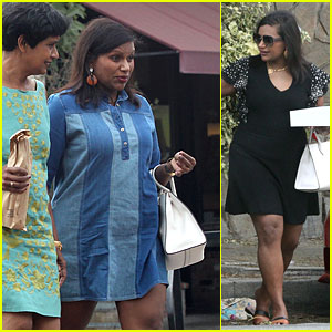 Mindy Kaling Looks Happy With Family on Labor Day Weekend