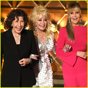 9 to 5's Dolly Parton, Jane Fonda, & Lily Tomlin Reunite at Emmys 2017 - Watch Now!