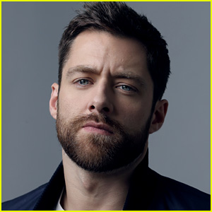 Get to Know Outlander's Richard Rankin with These 10 Fun Facts (Exclusive)