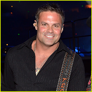 Troy Gentry Dead - Montgomery Gentry Singer Dies in Helicopter Crash at 50