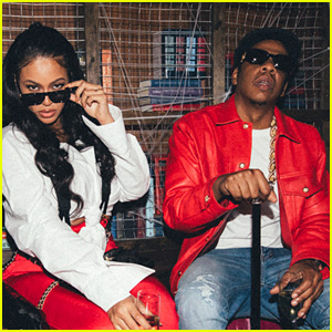 Beyonce & Jay Z Dress as Lil' Kim & Biggie for Halloween!
