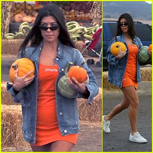 Kourtney Kardashian Goes Pumpkin Picking for Halloween!