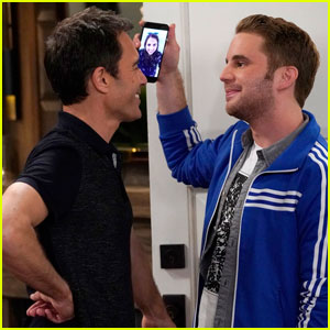 sean-hayes-eric-mccormack-try-dating-younger-guys-in-new-will-grace-episode-whos-your-daddy Erotico Web Cam Dal Vivo – piacere eventuale mediante web cam live ?