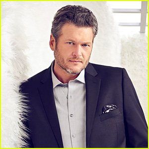Blake Shelton Is People's Sexiest Man Alive 2017!